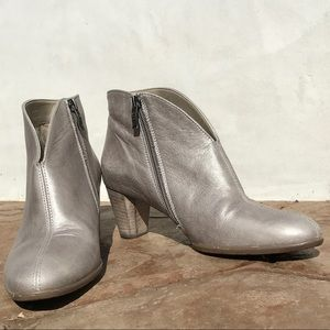 ARA Tricia ankle booties